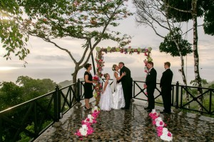 wedding-ceremony-villa-caletas-costa-rica-1024x682