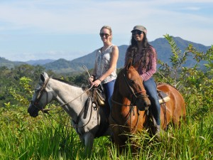 hores-back-riding-malpais-costa-rica